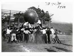 Students of the Classes of 1913 and 1914 in a pushball contest on California Field, 1910. UARC PIC: 4:22