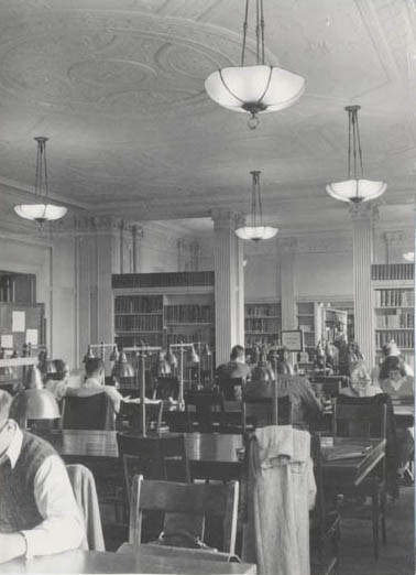 photograph: Reading room 1950s, view toward entrance