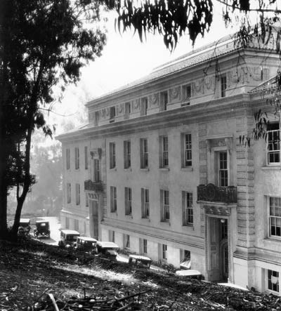 photograph: Exterior of Haviland Hall 1924