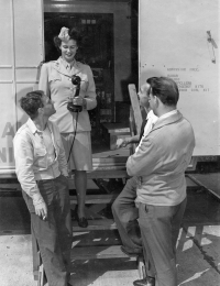 Mary Cohen speaks with soldiers